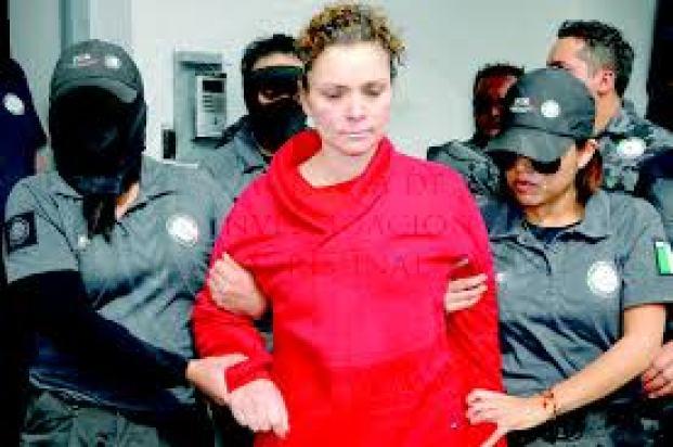 Foto: MugsNoticias/PGR.- María de los Ángeles Pineda Villa, esposa del ex alcalde de Iguala, José Luis Abarca, ambos están acusados de haber participado en la desaparición de 43 normalistas en septiembre de 2014 en ese municipio.